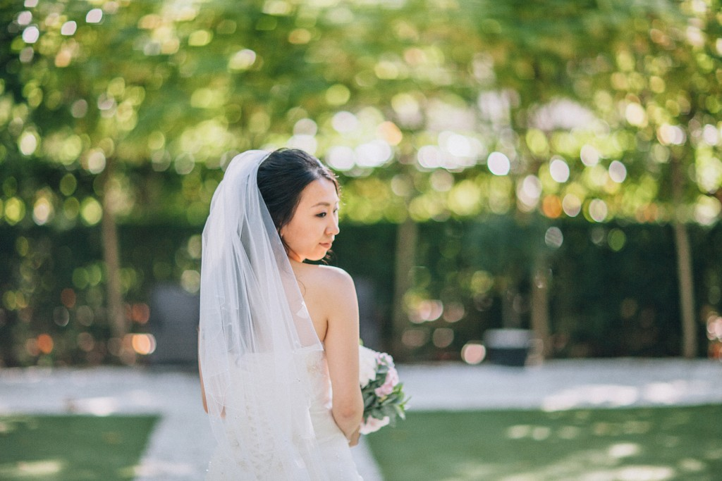 nicholas-lau-nicholau-weddings-london-film-photography-beautiful-pretty-blog-first-wedding-love-cute-white-dress-chinese-asian-back-of-dress-look-over-shoulder-coy