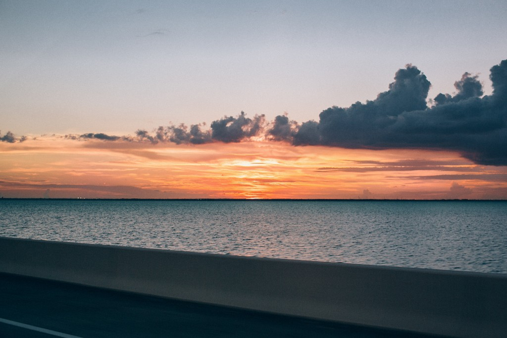 nicholas-lau-nicholau-florida-tampa-sunset-horizon-clouds-burn-point-sky