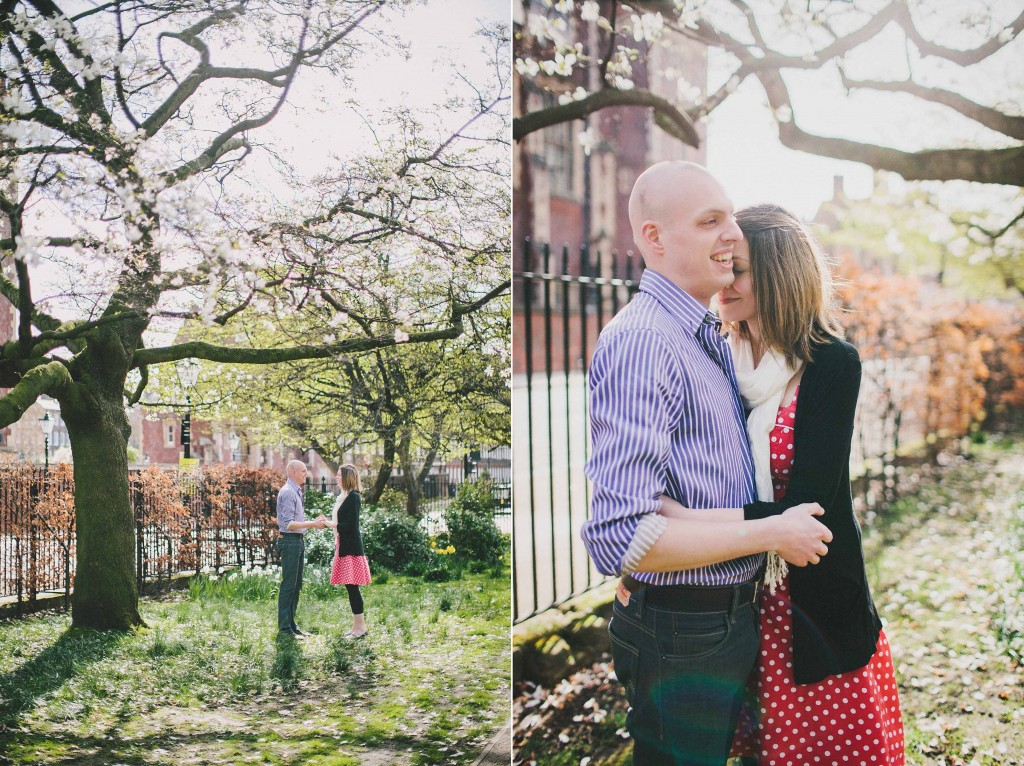 nicholas-lau-nicholau-lincolns-inns-fields-somerset-house-engagement-couple-photos-prewedding-love-london-HUGGING-HOLDING-MIST-SUN