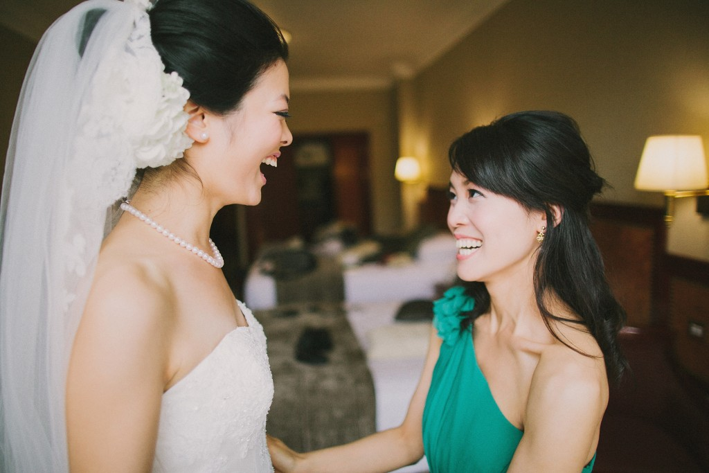 nicholau-nicholas-lau-interracial-wedding-bride-maid-of-honour-korean-laughing-joking