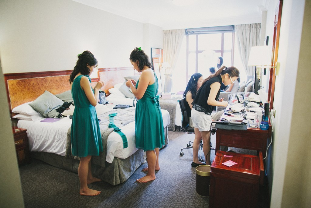 nicholau-nicholas-lau-interracial-wedding-bridesmaids-hotel-stylist-getting-ready-teal-dresses