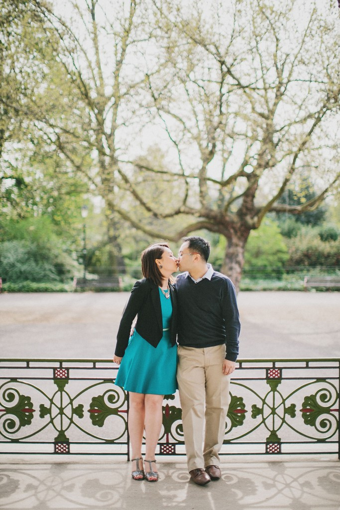 nicholas-lau-nicholau-engagement-spring-photography-peony-and-mockingbird-chinese-couple-battersea-park-westminster-something-blue-kiss-peck-stand-tall-together-b