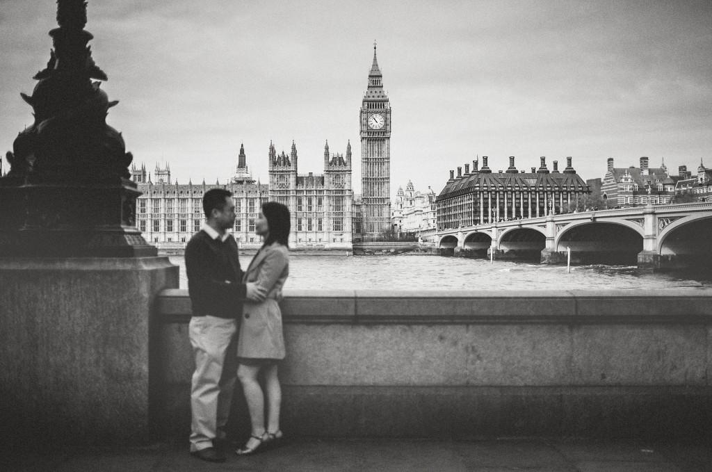 nicholas-lau-nicholau-engagement-spring-photography-peony-and-mockingbird-chinese-couple-battersea-park-westminster-something-blue-big-ben-bridge-black-and-white-hugging