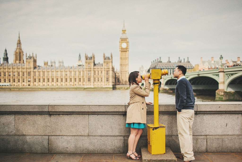 nicholas-lau-nicholau-engagement-spring-photography-peony-and-mockingbird-chinese-couple-battersea-park-westminster-something-blue-big-ben-bridge-yellow-sight-seeing-scope