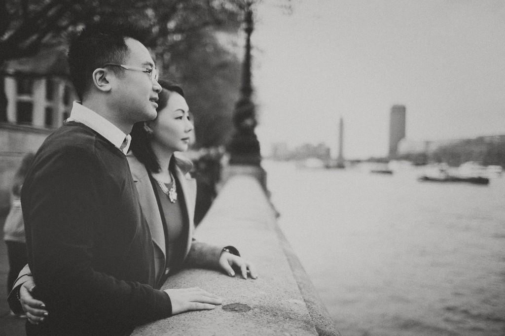 nicholas-lau-nicholau-engagement-spring-photography-peony-and-mockingbird-chinese-couple-battersea-park-westminster-something-blue-black-white-asian-river-thames-bridge