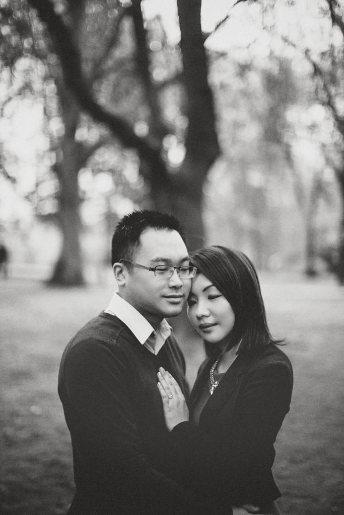 nicholas-lau-nicholau-engagement-spring-photography-peony-and-mockingbird-chinese-couple-battersea-park-westminster-something-blue-black-white-hand-over-heart