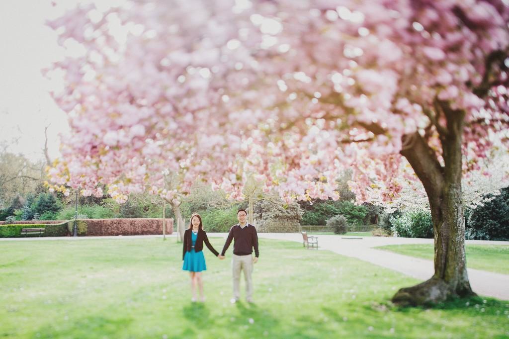 nicholas-lau-nicholau-engagement-spring-photography-peony-and-mockingbird-chinese-couple-battersea-park-westminster-something-blue-cherry-blossum-love