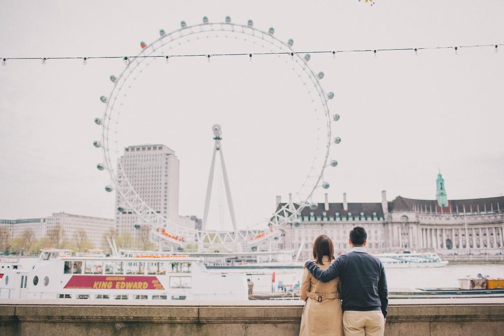 nicholas-lau-nicholau-engagement-spring-photography-peony-and-mockingbird-chinese-couple-battersea-park-westminster-something-blue-eye-of-london-bridge