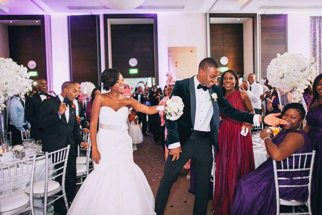 Nicholau-nicholas-lau-photography-london-uk-wedding-fine-art-film-nigerian-black-african-traditional-bride-groom-first-dance-syncronized
