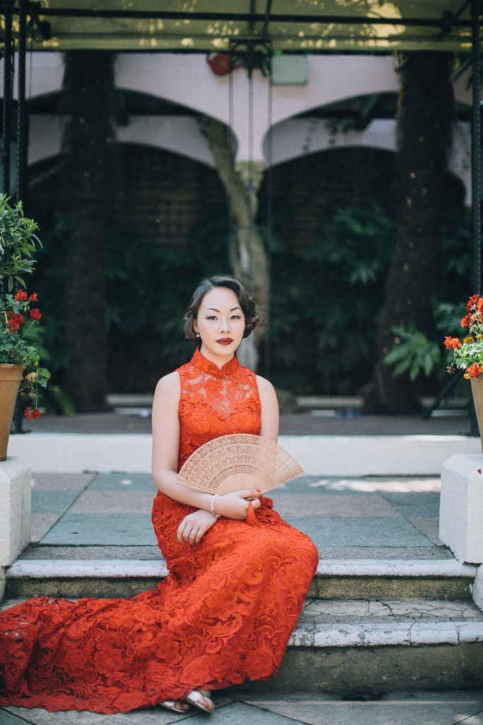 nicholau-nicholas-lau-wedding-fine-art-photography-london-chinese-asian-kensington-roof-top-gardens-red-tea-ceremony-lace-dress-bamboo-fan-cheungsam