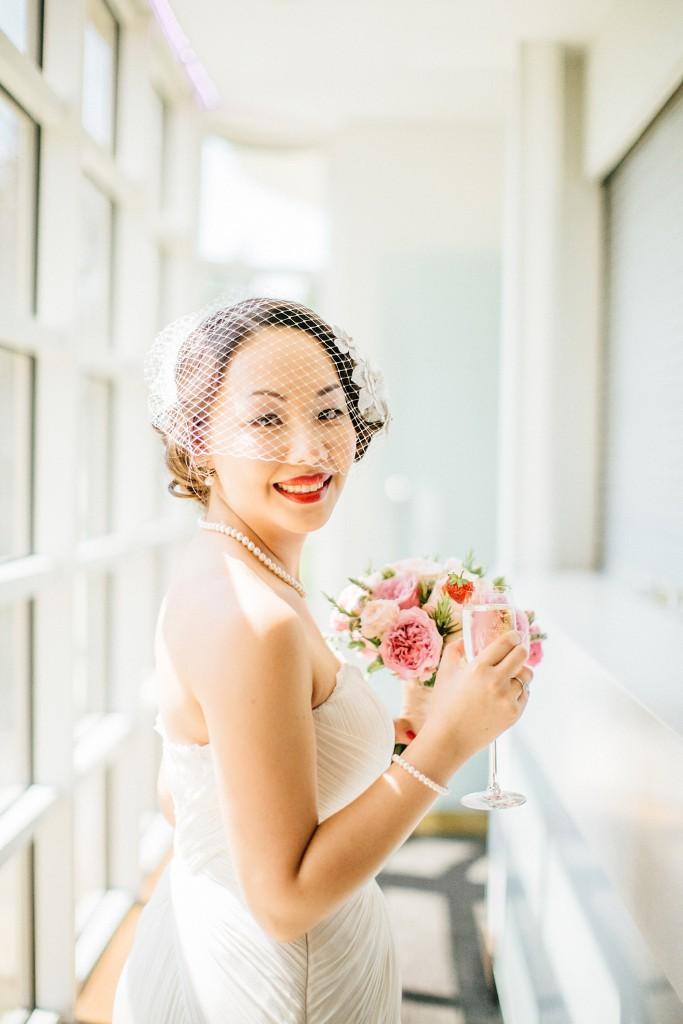 nicholau-nicholas-lau-wedding-fine-art-photography-london-chinese-asian-red-lips-bouquet-bird-cage-veil-light-retro-vintage-strawberry