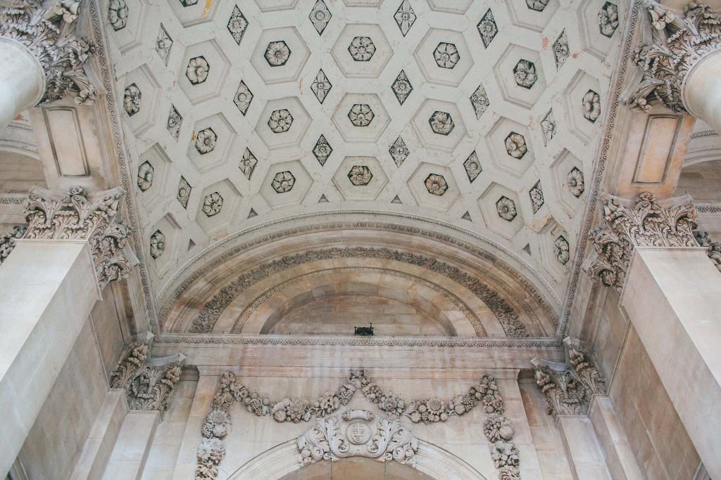 nicholas-lau-nicholau-chinese-london-uk-film-fine-art-photography-engagement-couple-pre-wedding-portra-160-400-800-fuji-contax-645-bank-side-love-details-carving-tiles-architecture-c
