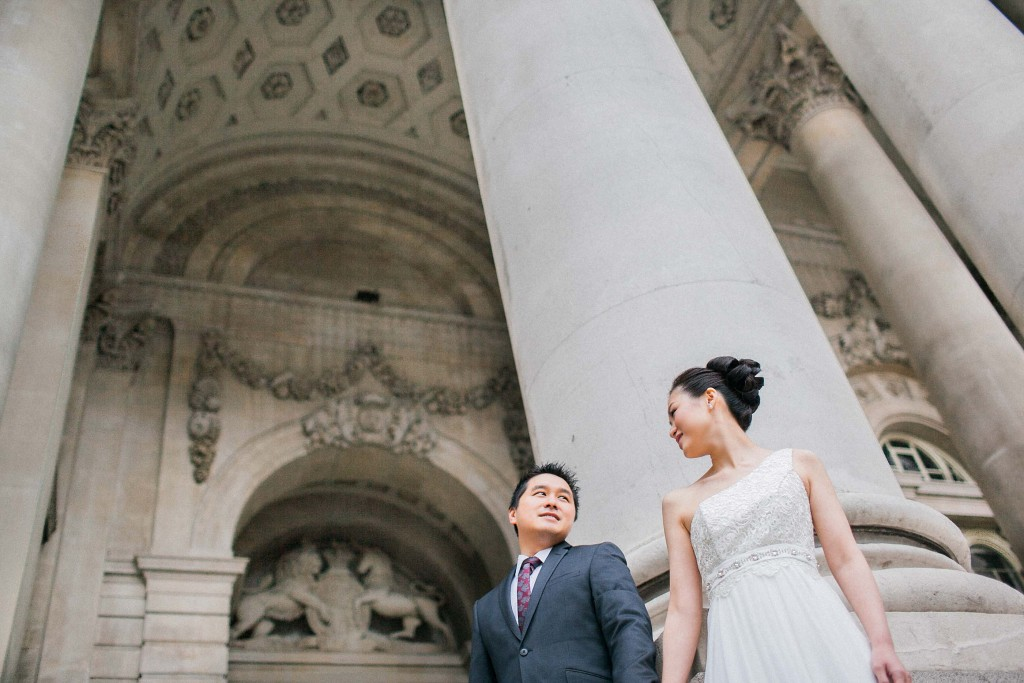 nicholas-lau-nicholau-chinese-london-uk-film-fine-art-photography-engagement-couple-pre-wedding-portra-160-400-800-fuji-contax-645-bank-side-love-details-carving-tiles-architecture-couple