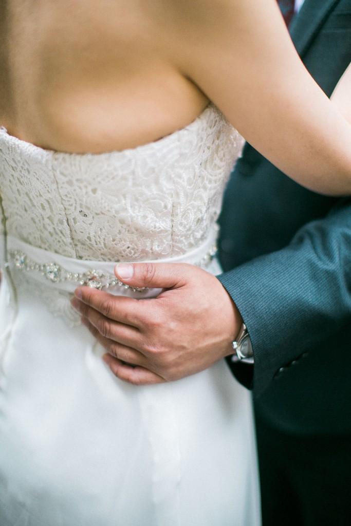 nicholas-lau-nicholau-chinese-london-uk-film-fine-art-photography-engagement-couple-pre-wedding-portra-160-400-800-fuji-contax-645-bank-side-love-embrace-hug-shoulder-skin-suit