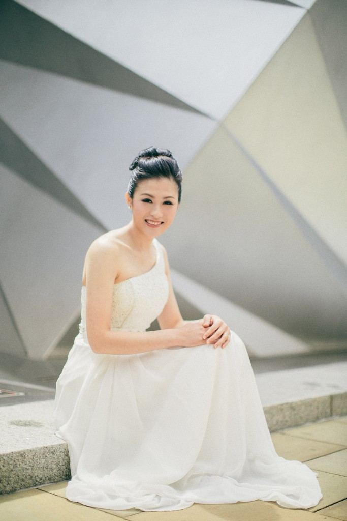 nicholas-lau-nicholau-chinese-london-uk-film-fine-art-photography-engagement-couple-pre-wedding-portra-160-400-800-fuji-contax-645-bank-side-love-smiling-smile-white-dress-gown