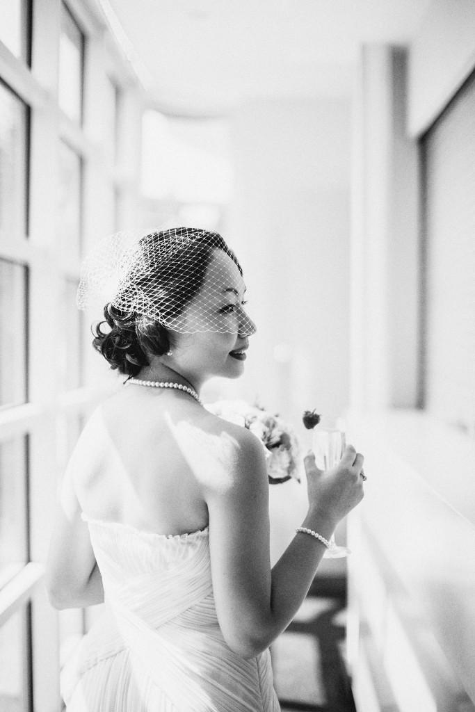 nicholau-nicholas-lau-wedding-fine-art-photography-london-chinese-asian-black-white-bird-cage-veil-dress-retro-vintage-gatsby