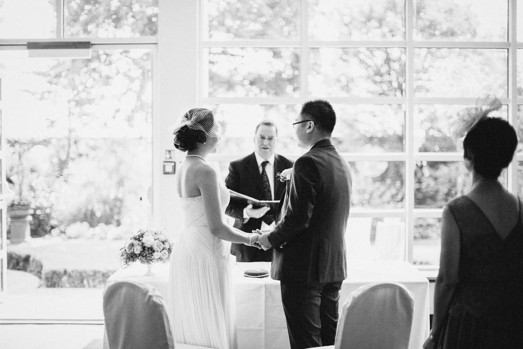 nicholau-nicholas-lau-wedding-fine-art-photography-london-chinese-asian-black-white-take-my-hand-i-do-kensington-roof-garden