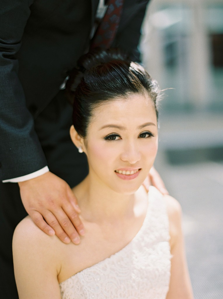 nicholas-lau-nicholau-chinese-london-uk-film-fine-art-photography-engagement-couple-pre-wedding-portra-160-400-800-fuji-contax-645-bank-side-love-architecture-support-friendship-bun-hair-style-b