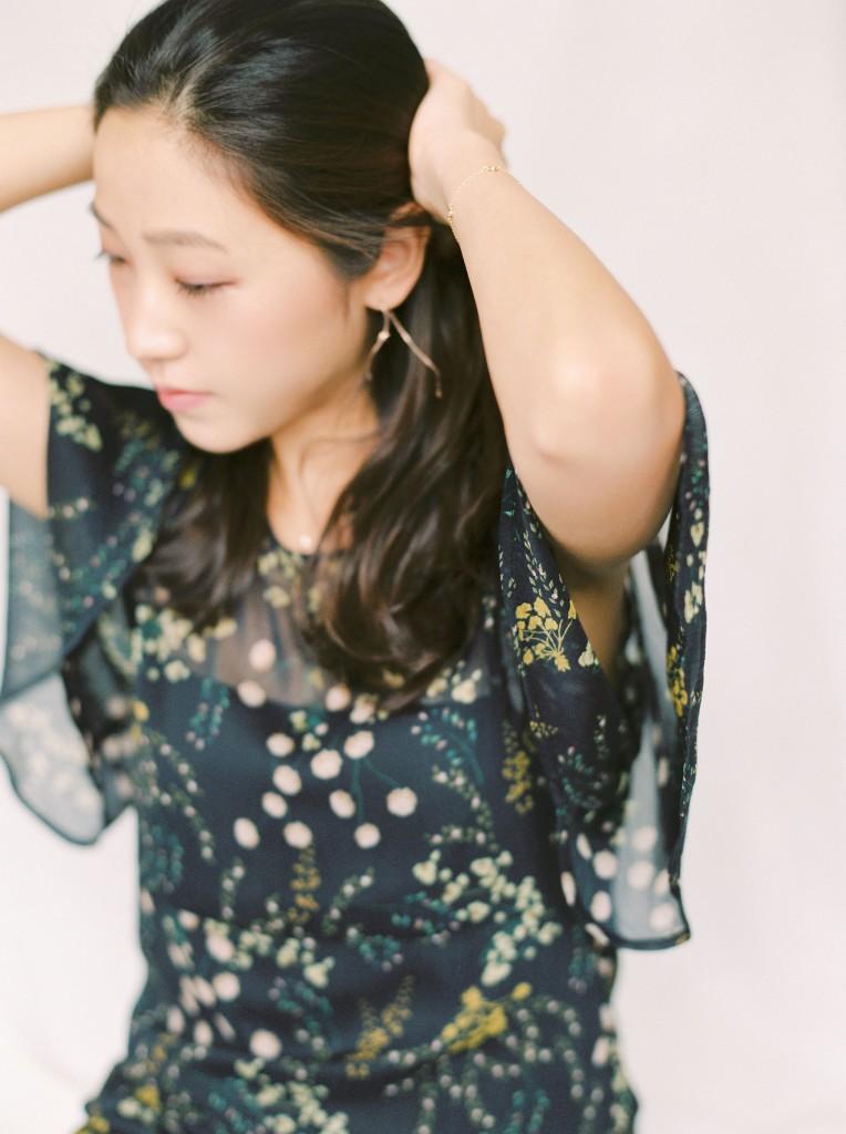 Nicholas-lau-nicholau-film-fine-art-photography-portraits-korean-asian-tea-pot-fuji-400-contax-645-pretty-beautiful-elbow-hair-back-black-dress-girl