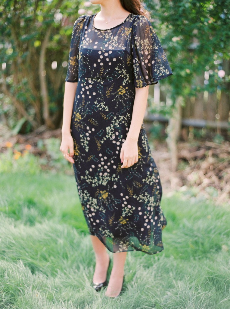 Nicholas-lau-nicholau-film-fine-art-photography-portraits-korean-asian-tea-pot-fuji-400-contax-645-pretty-beautiful-waiting-garden-black-dress-heels
