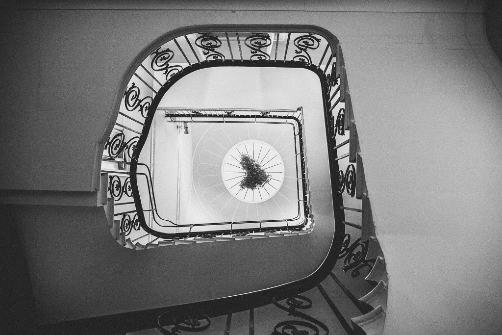 nicholas-lau-nicholau-wedding-photography-photographer-fine-art-film-winter-christmas-london-UK-modern-unique-the-arch-asia-house-black-white-stairwell-spiral-staircases