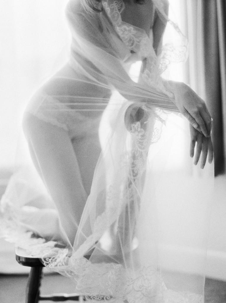 nicholas-lau-nicholau-film-fine-art-photography-boudoir-veil-wedding-light-fuji-400h-ilford-delta-3200-contax-645-eos3-canon-bokeh-hair-retro-on-chair-veil-1