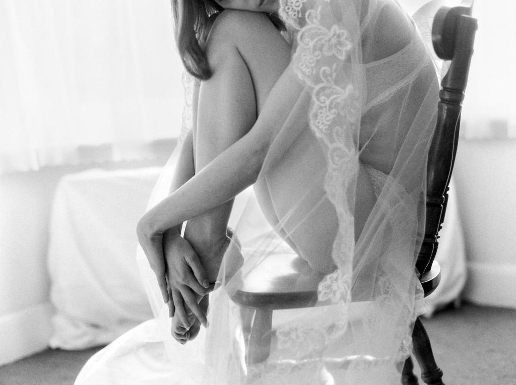 nicholas-lau-nicholau-photo-nicholaslauphoto-film-fine-art-photography-boudoir-veil-wedding-light-fuji-400h-ilford-delta-3200-contax-645-eos3-canon-bokeh-hair-retro-vintage-curled-on-chair-feet-hands