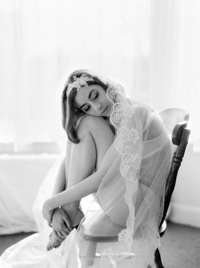 nicholas-lau-nicholau-photo-nicholaslauphoto-film-fine-art-photography-boudoir-veil-wedding-light-fuji-400h-ilford-delta-3200-contax-645-eos3-canon-bokeh-hair-retro-vintage-curled-on-chair-legs