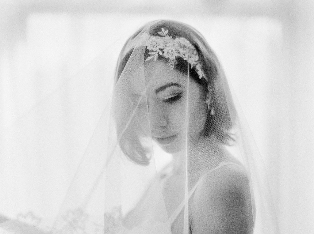 nicholas-lau-nicholau-photo-nicholaslauphoto-film-fine-art-photography-boudoir-veil-wedding-light-fuji-400h-ilford-delta-3200-contax-645-eos3-canon-bokeh-hair-retro-vintage-hairpiece-bridal