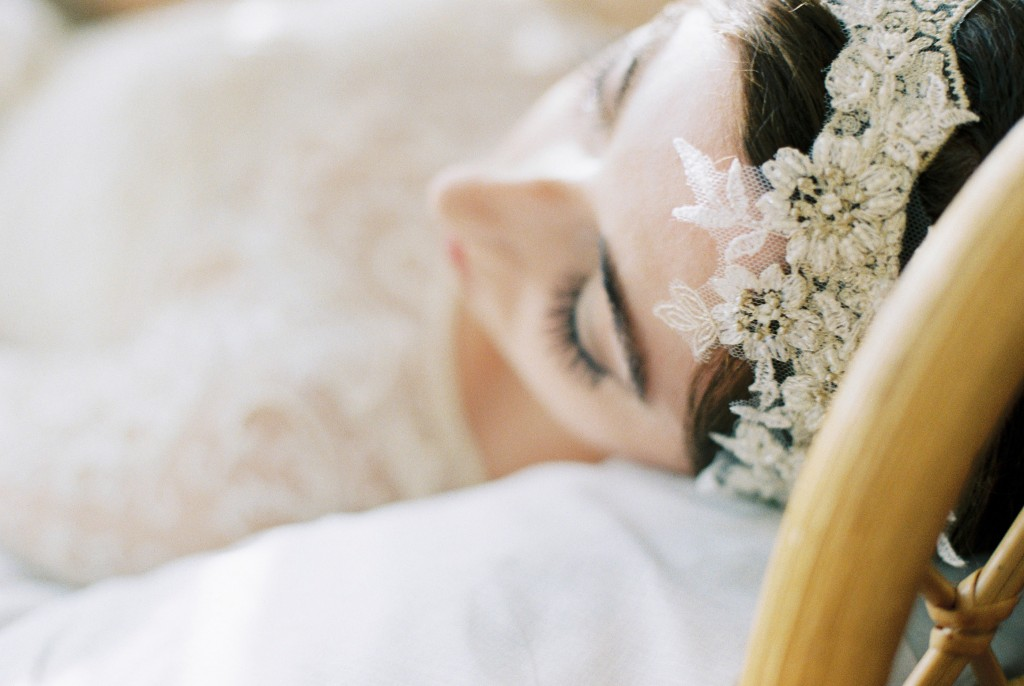 Nicholas-lau-photo-photography-nicholau-film-fine-art-fuji-400h-400-contax-645-ukfilm-lab-monsoon-wedding-dress-shoot-bridal-head-hair-accessories-pearls-the-pearl-earring-close-up-details