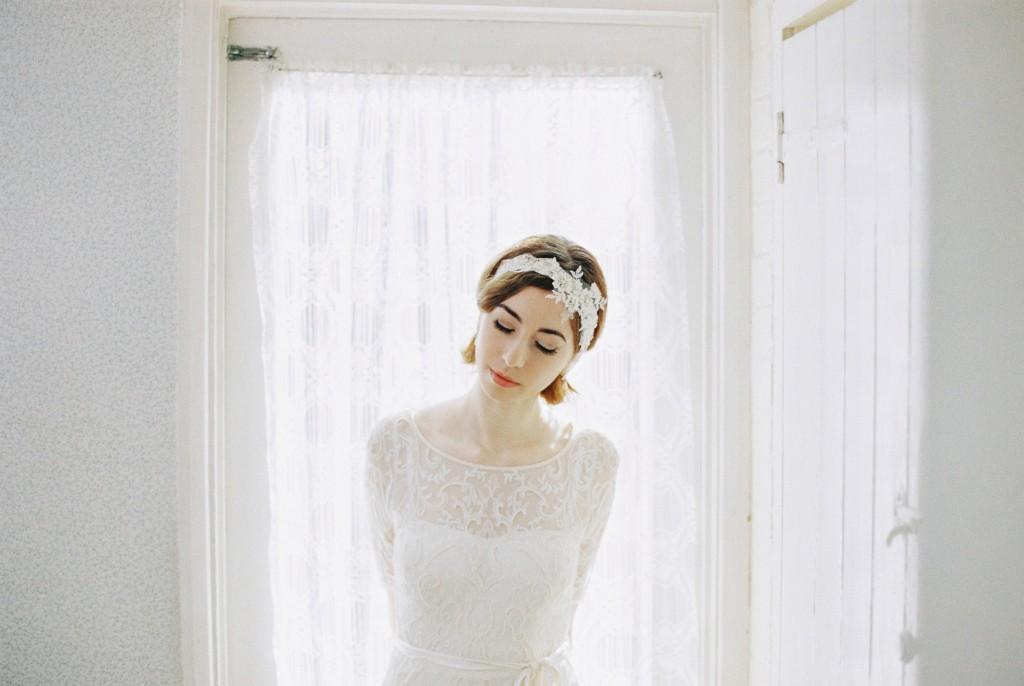 Nicholas-lau-photo-photography-nicholau-film-fine-art-fuji-400h-400-contax-645-ukfilm-lab-monsoon-wedding-dress-shoot-bridal-head-hair-accessories-pearls-the-pearl-earring-head-turned-pretty-gown-