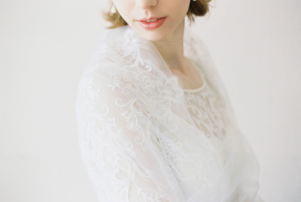 Nicholas-lau-photo-photography-nicholau-film-fine-art-fuji-400h-400-contax-645-ukfilm-lab-monsoon-wedding-dress-shoot-bridal-head-hair-accessories-pearls-the-pearl-earring-lips-veil-over-shoulders