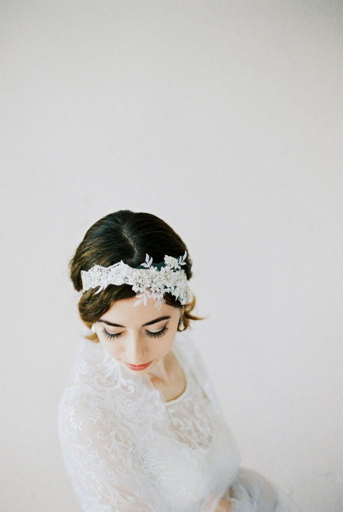 Nicholas-lau-photo-photography-nicholau-film-fine-art-fuji-400h-400-contax-645-ukfilm-lab-monsoon-wedding-dress-shoot-bridal-head-hair-the-pearl-earring-elegant-shoulder-veil