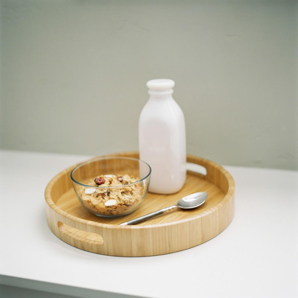 nicholas-lau-meghan-page-hasselblad-503cw-rustic-cereal-milk-boise-idaho-fuji-film-400h-uk-film-lab-photography