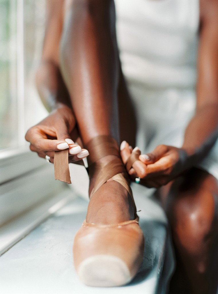 nicholas-lau-photo-photography-uk-black-african-american-ballerina-london-royal-ballet-flats-dancer-dancing-contax-645-fuji-400h-eos3-160ns-film-fine-art-lacing-brown-pointe-shoes
