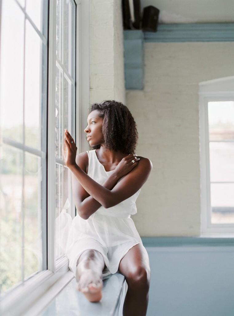 nicholas-lau-photo-photography-uk-black-african-american-ballerina-london-royal-ballet-flats-dancer-dancing-contax-645-fuji-400h-eos3-160ns-film-fine-art-looking-out-window-tender