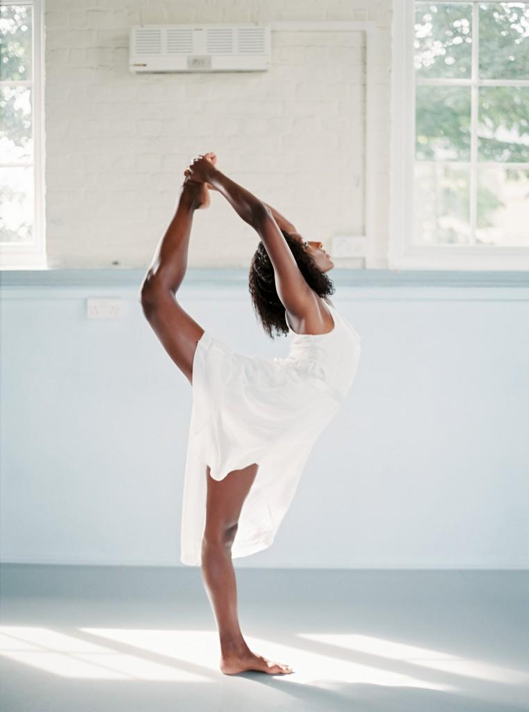 nicholas-lau-photo-photography-uk-black-african-american-ballerina-london-royal-ballet-flats-dancer-dancing-contax-645-fuji-400h-eos3-160ns-film-fine-art-scorpion-flexible