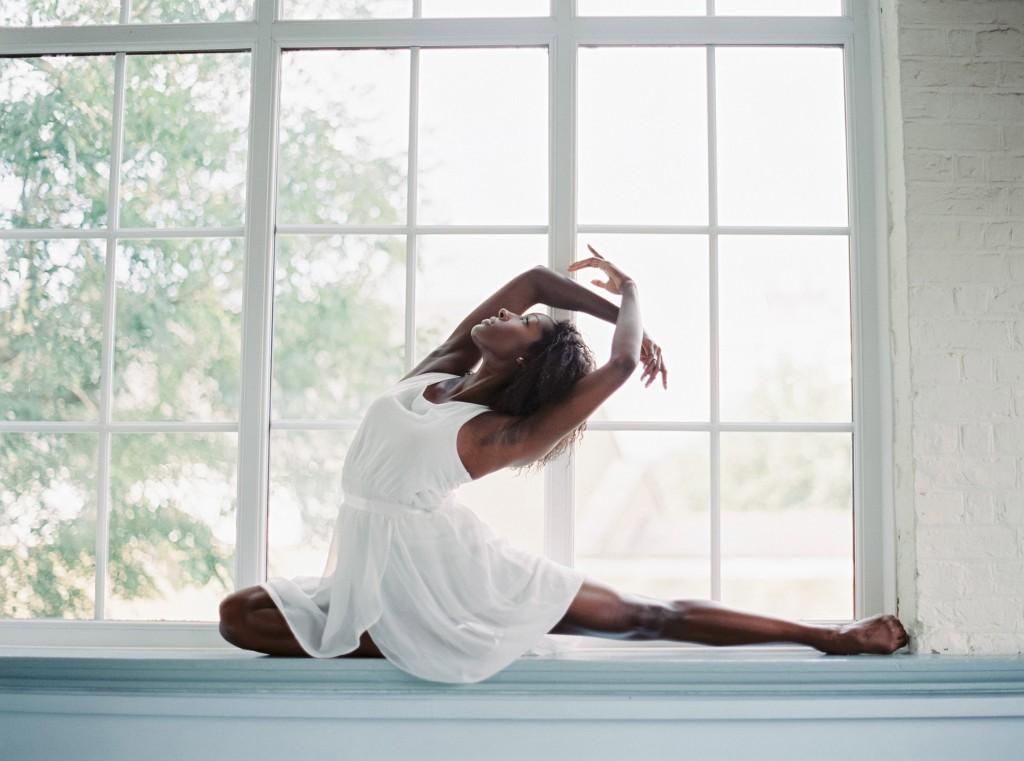 nicholas-lau-photo-photography-uk-black-african-american-ballerina-london-royal-ballet-flats-dancer-dancing-contax-645-fuji-400h-eos3-160ns-film-fine-art-sitting-window-ledge