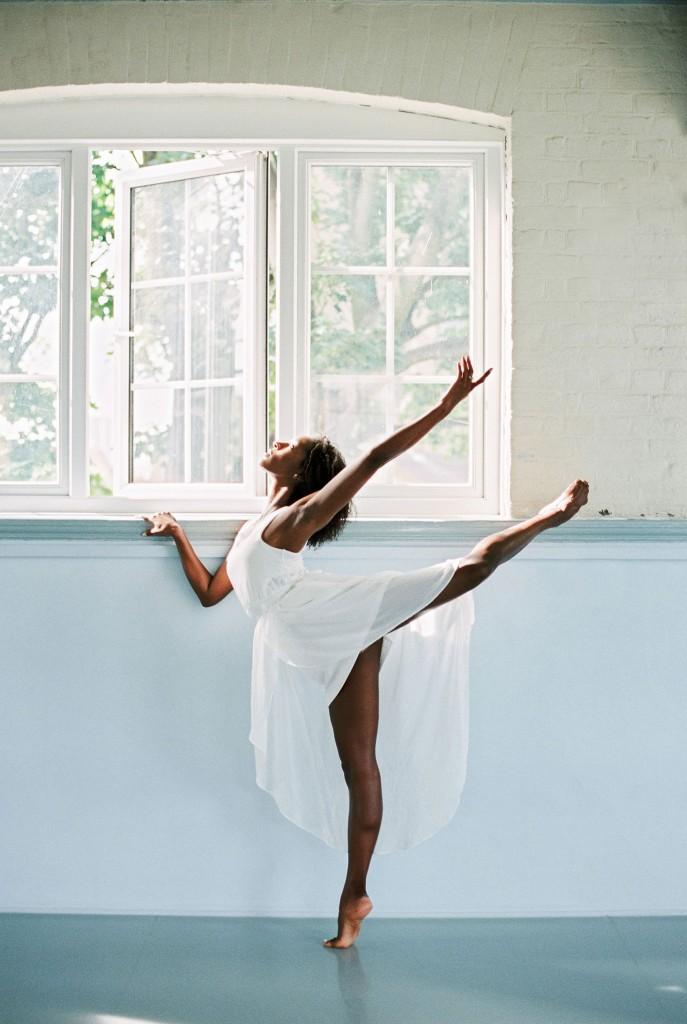 nicholas-lau-photo-photography-uk-black-african-american-ballerina-london-royal-ballet-flats-dancer-dancing-light-sun-sudio-contax-645-fuji-400h-eos3-160ns-film-fine-art-back-leg-kick