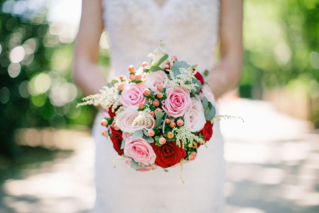 nicholas-lau-photo-photography-wedding-uk-london-holland-park-gardens-orangery-the-chinese-couple-summer-beautiful-photographer-bouquet-dress-gown-mermaid-flowers-roses-red-white-pink