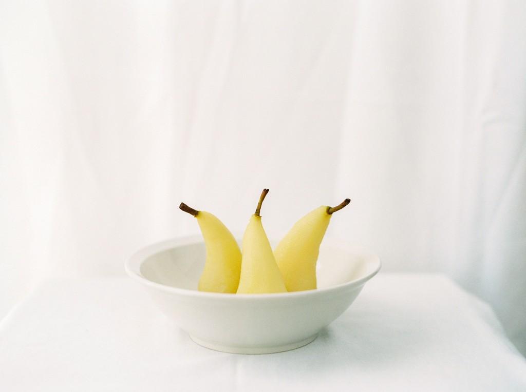 nicholas-lau-photo-photography-contax-645-medium-format-canadian-film-labs-fuji-400h-film-fine-art-pears-white-crisp-poached-elegant-food-syrup-wine-reisling-reduction-bosc-pear-three-side