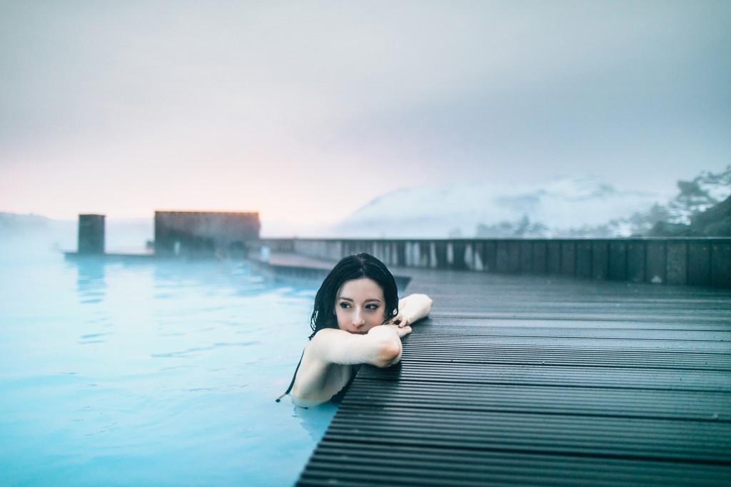 iceland-november-winter-snow-film-photography-looks-like-nicholas-lau-photo-portraits-travel-porn-wanderlust-1