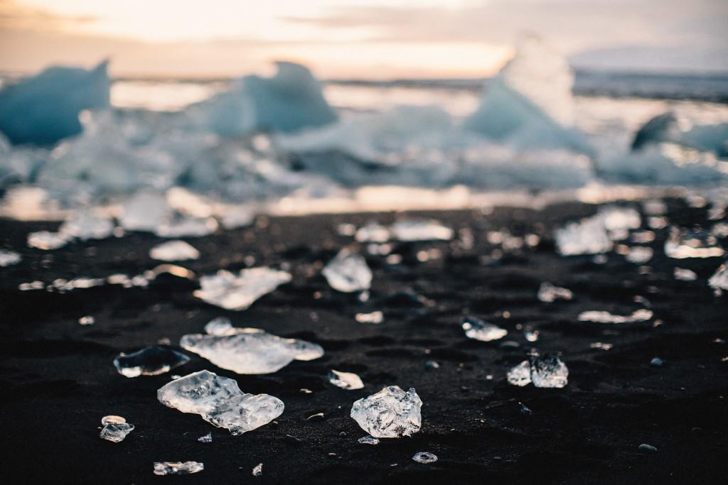 iceland-november-winter-snow-film-photography-looks-like-nicholas-lau-photo-portraits-travel-porn-wanderlust-17