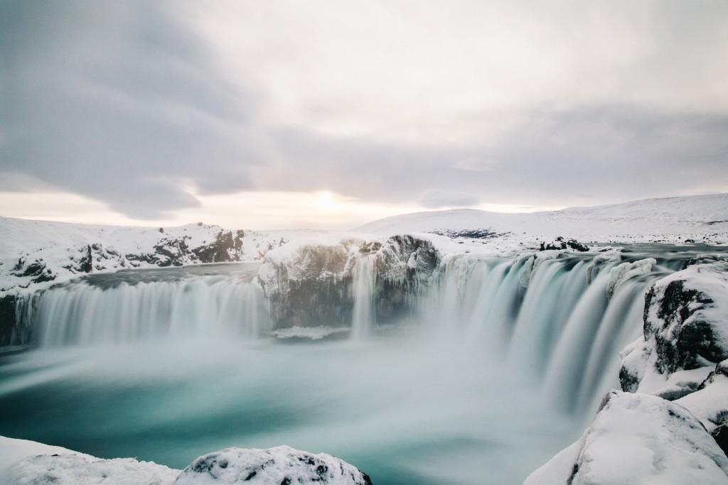 iceland-november-winter-snow-film-photography-looks-like-nicholas-lau-photo-portraits-travel-porn-wanderlust-26