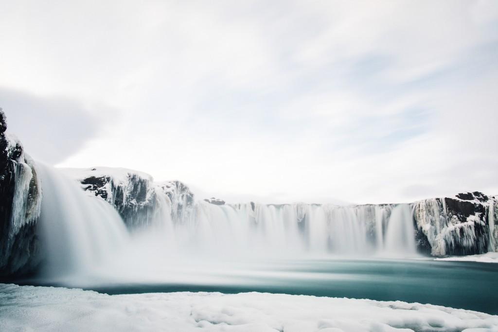 iceland-november-winter-snow-film-photography-looks-like-nicholas-lau-photo-portraits-travel-porn-wanderlust-29